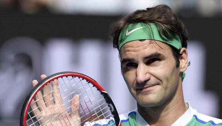 Federers atbalsta Šarapovai piespriesto diskvalifikāciju