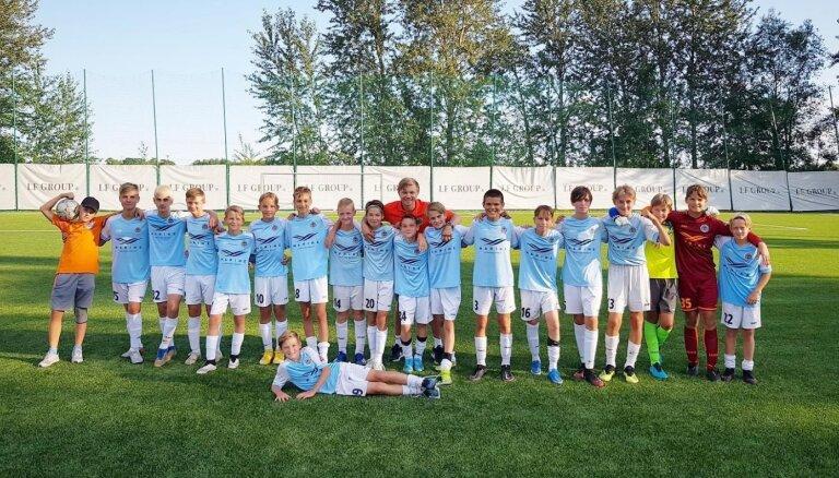 'Riga' akadēmija turpina uzņemt bērnus un jauniešus bezmaksas treniņiem futbolā