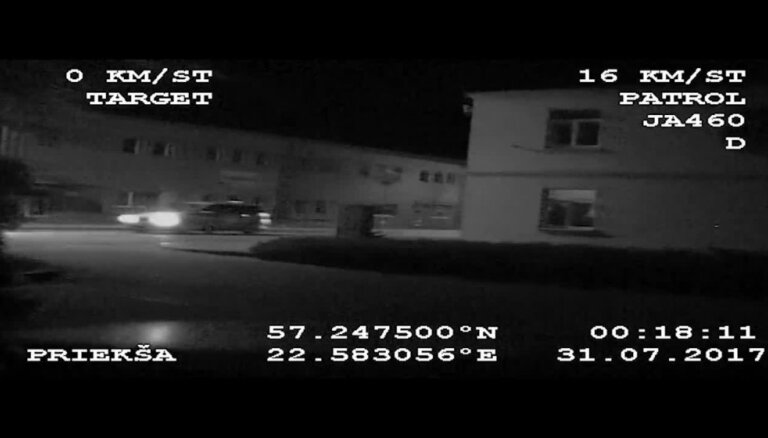 Valsts policija Talsos aptur pārgalvīgu transportlīdzekļa vadītāju