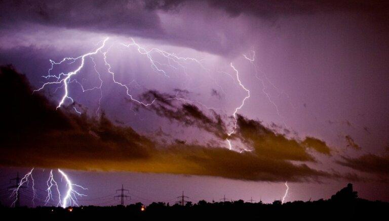 """ВИДЕО: Молния ударила в ракету """"Союз"""" во время запуска с Плесецка"""