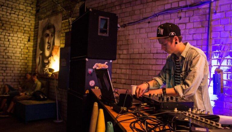 'Dirty Deal Audio' izziņo jauno mūziķu koncertu sēriju 'Treniņu trešdienas'