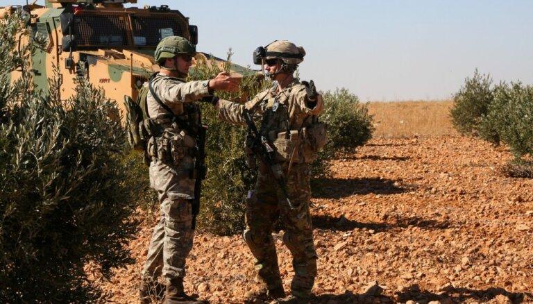 ASV atvilks savus spēkus Sīrijā no Turcijas robežas