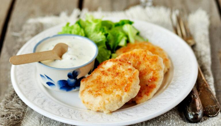 Sulīgas un figūrai draudzīgas vistas gaļas kotletes: 10 receptes izsalkušajiem