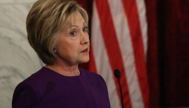 Klintone paziņo, ka nekandidēs 2020. gada prezidenta vēlēšanās