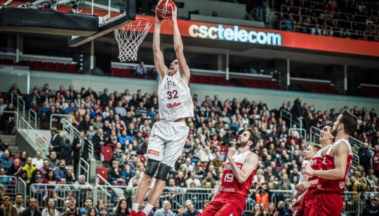 Pasečņiks iekļauts paplašinātajā Latvijas izlases kandidātu sarakstā EČ atlases spēlēm