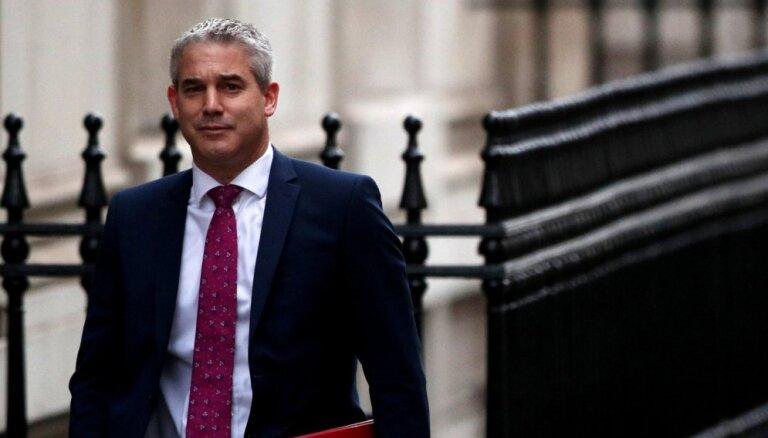 Neatbalstot Mejas plānu, palielinās bezvienošanās 'Brexit' risks, brīdina ministrs