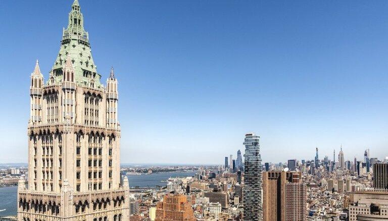 Ekskluzīvais penthauss piecos stāvos, kas atrodas Manhetenas slavenākajā debesskrāpī
