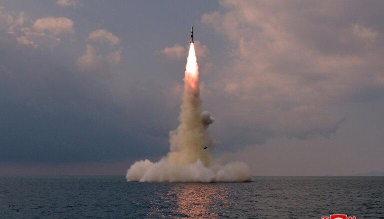 Ziemeļkoreja testējusi no zemūdenes izšaujamu ballistisko raķeti