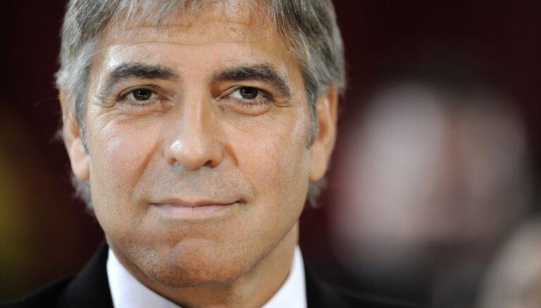 Джордж Клуни разоблачит спонсоров вооруженных конфликтов в Африке
