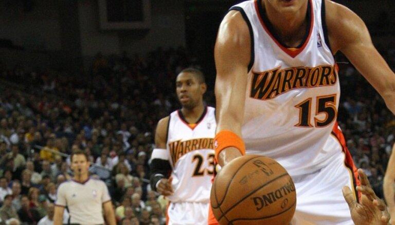 NBA spēlē Biedriņš paliek bez punktiem un atlēkušajām bumbām