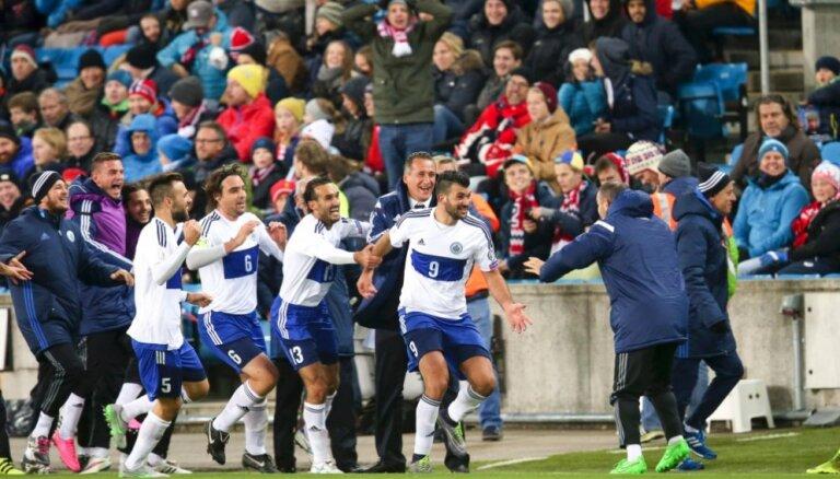 ВИДЕО: Первый гол Сан-Марино с 2001 годa в Риге, Левандовски спасает поляков