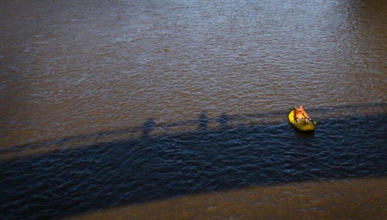 VI pārbaudījusi ūdeni 57 peldvietās; vienā peldēties neiesaka