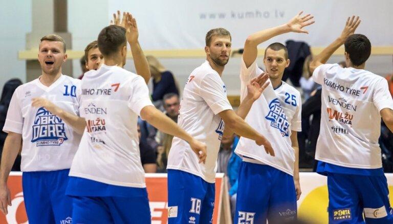 'Ogre/Kumho Tyre' basketbolisti Vējoņa klātbūtnē uzvar 'Barons kvartāls' komandu