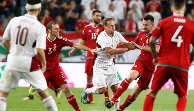 Latvijas futbola izlase uz pirmo 'Euro 2020' kvalifikācijas spēli dodas bez Višņakova