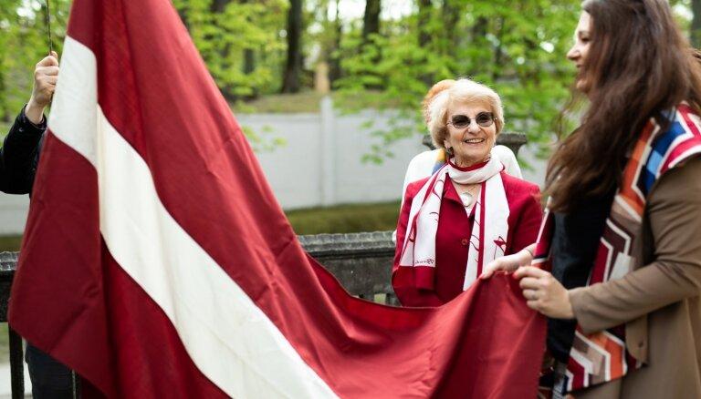 Foto: Svin Latvijas neatkarības atjaunošanas gadadienu