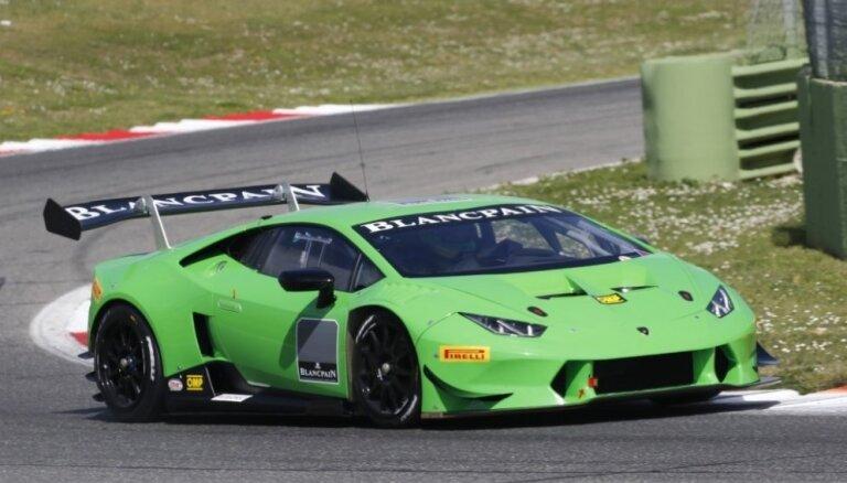 Šlēgelmilhs ieņem 5. vietu 'Lamborghini Super Trofeo' pasaules fināla pirmajā braucienā