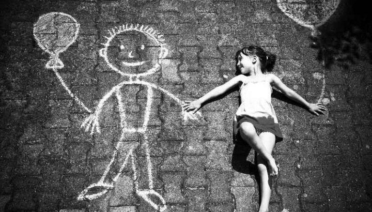 Bērniem ir tiesības nepiedzīvot vardarbību! Pieņemta jauna ES stratēģija par bērnu tiesībām
