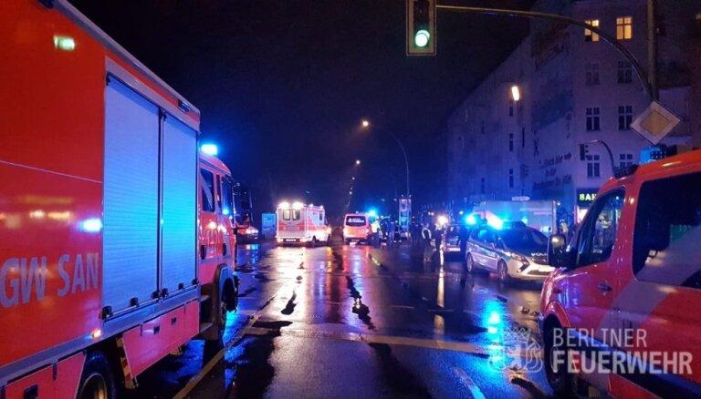 Latvijā reģistrēta BMW autovadītājs Berlīnē notriec piecus cilvēkus