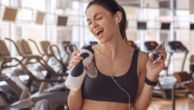 Motivācija un ceļš uz personīgo rekordu. Iemesli, kādēļ klausīties mūziku sportojot