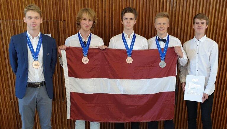 Latvijas skolēniem četras medaļas Starptautiskajā fizikas olimpiādē