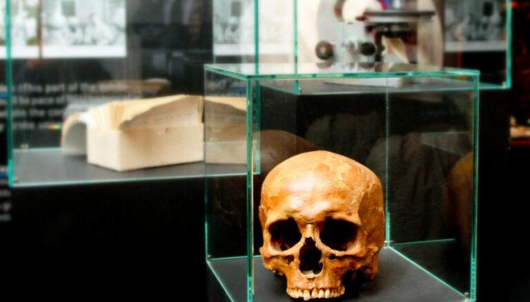 Fotoreportāža: atklāta RSU muzeja pastāvīgā ekspozīcija