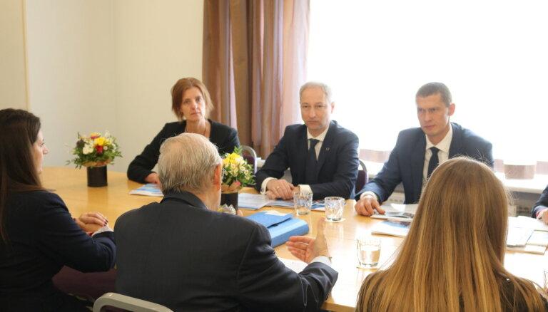 OECD pauž atbalstu iecerei veidot specializētu tiesu finanšu noziegumu iztiesāšanai