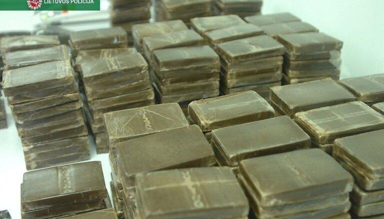 Policija Lietuvā aizturējusi rekordlielu narkotiku daudzumu – pusotru tonnu hašiša