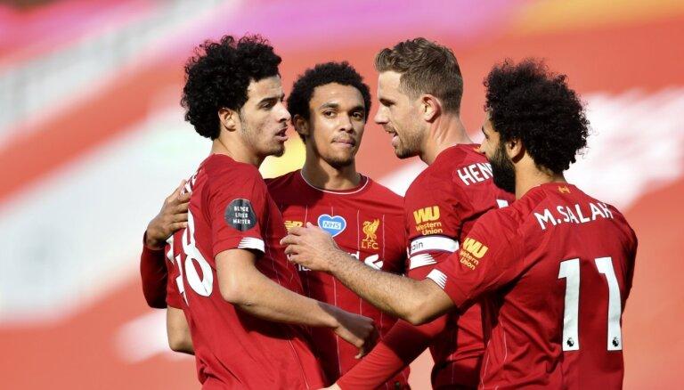 Čempione 'Liverpool' atgriežas uz uzvaru takas