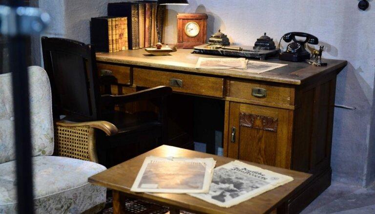 ФОТО: В Берлине для посетителей открыта копия бункера Гитлера