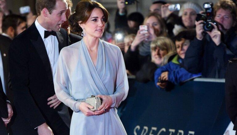 """ФОТО: Британская королевская семья посетила премьеру """"007: Спектр"""""""