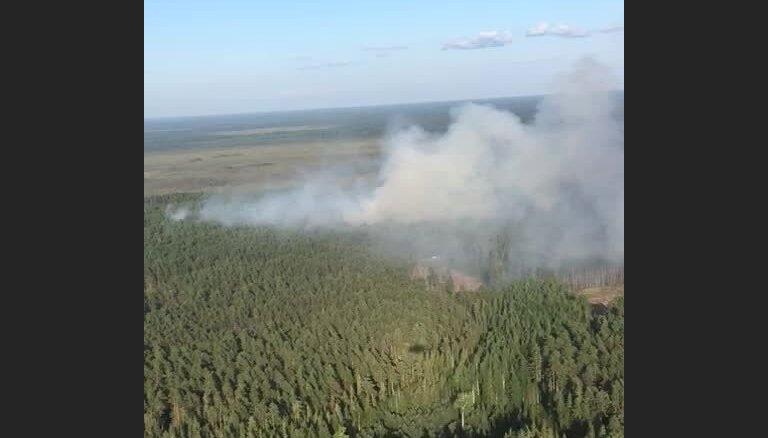 Video: NBS helikopters turpina piedalīties Valdgales pagasta ugunsgrēka dzēšanā