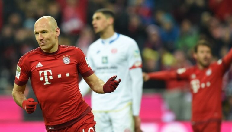 Pieredzējušais Robens apstiprina aiziešanu no 'Bayern'