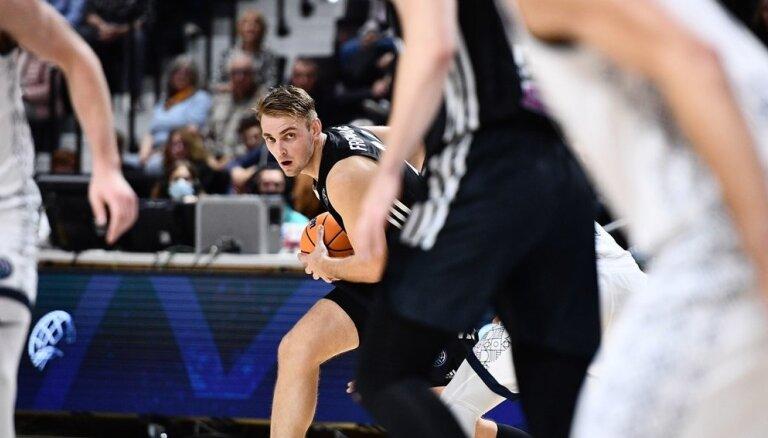 Freimanis ar 16 punktiem neglābj komandu no zaudējuma FIBA Čempionu līgas mačā