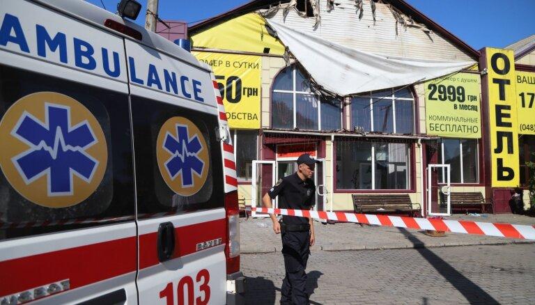 Viesnīcas ugunsgrēkā Odesā gājuši bojā deviņi cilvēki