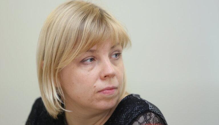 Комиссия Сейма выдвинула на должность руководителя ЦИК Кристину Берзиню