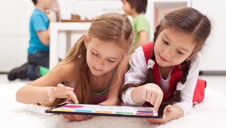 Более половины школ Риги решили с 1 сентября проводить обучение очно