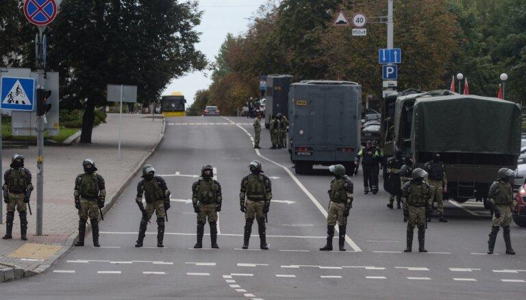 Baltkrievijas policijai piešķirtas plašākas pilnvaras protestu apspiešanā