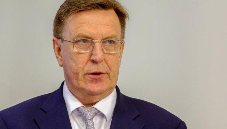"""Премьер: """"торговые войны"""" между США и ЕС на Латвии могут и не сказаться"""