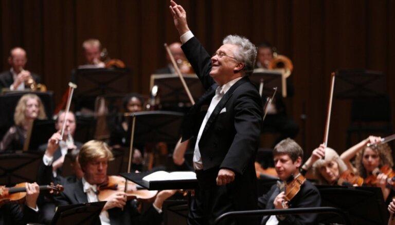 Lielajā ģildē uzstāsies LNSO un orķestra Goda diriģents Vasilijs Sinaiskis