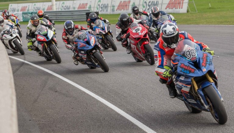 Latvijas sportistiem sešas godalgotās vietas Baltijas motošosejas čempionāta noslēdzošajā posmā Igaunijā