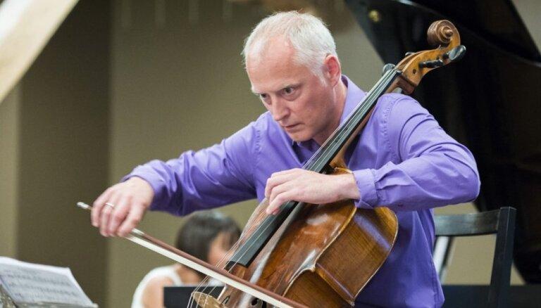 LSO aicina uz romantisku pavasara koncertu Kaspara Ādamsona vadībā