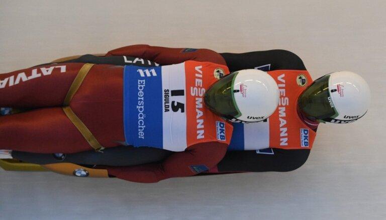 Kamaniņu braucēji Gudramovičs/ Kalniņš izcīna trešo vietu Nāciju kausā Vinterbergā
