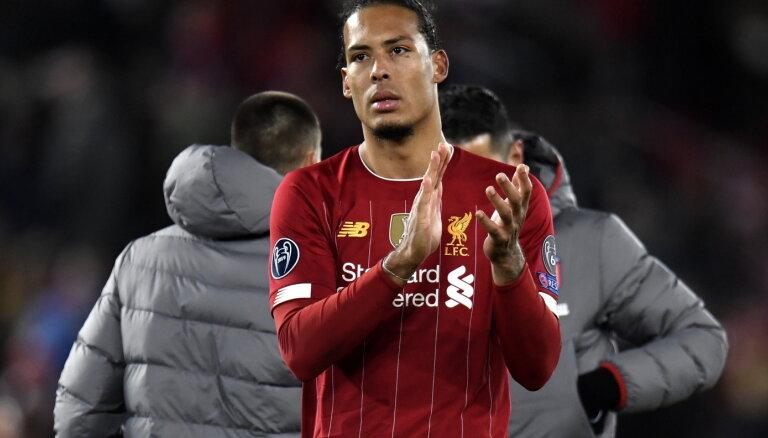 'Liverpool' aizsardzības balstam van Dijkam traumas dēļ sezona varētu būt beigusies