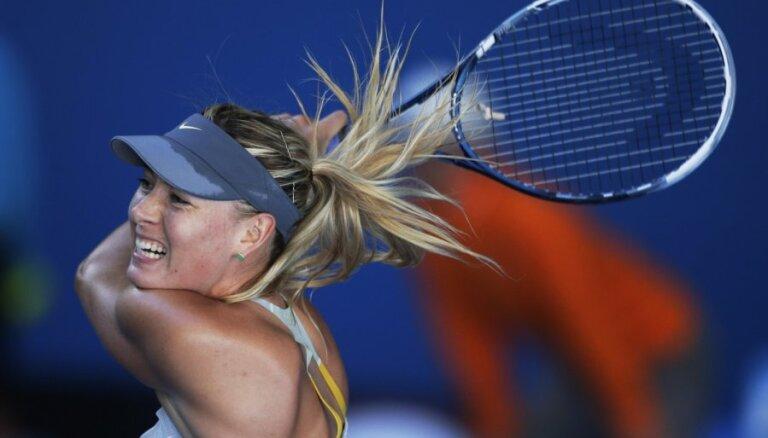 Favorīti iekļūst 'Australian Open' trešajā kārtā
