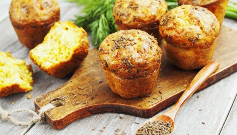 17 idejas, kā garšīgi likt lietā pāri palikušo Jāņu sieru