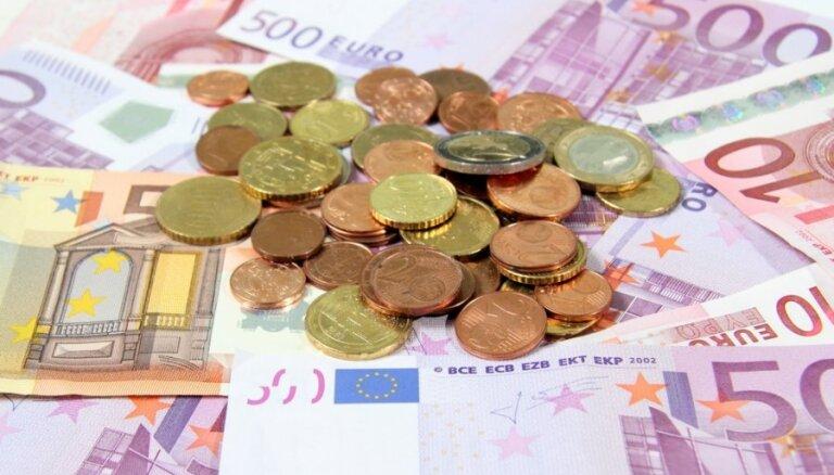 Советник: отказ Латвии от перехода на евро чреват экономическими трудностями