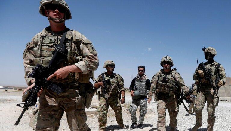 Puse amerikāņu tuvākajā nākotnē sagaida karu ar Irānu, liecina aptauja