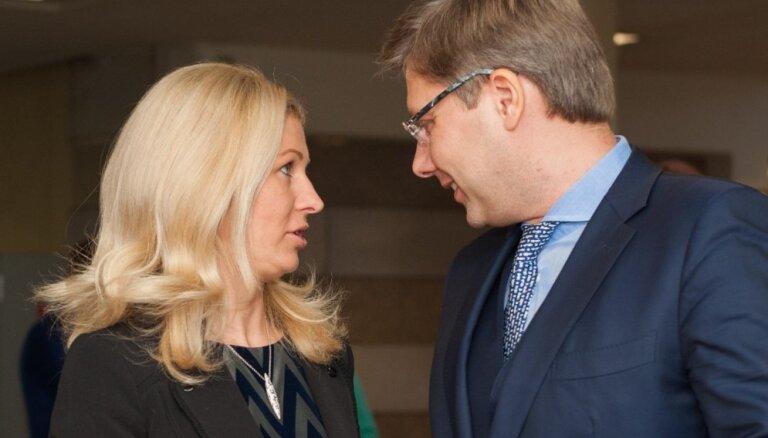 Raidījums: Ušakova biroja vadītāja astoņus gadus strādājusi par konsultanti 'Rīgas ūdenī'