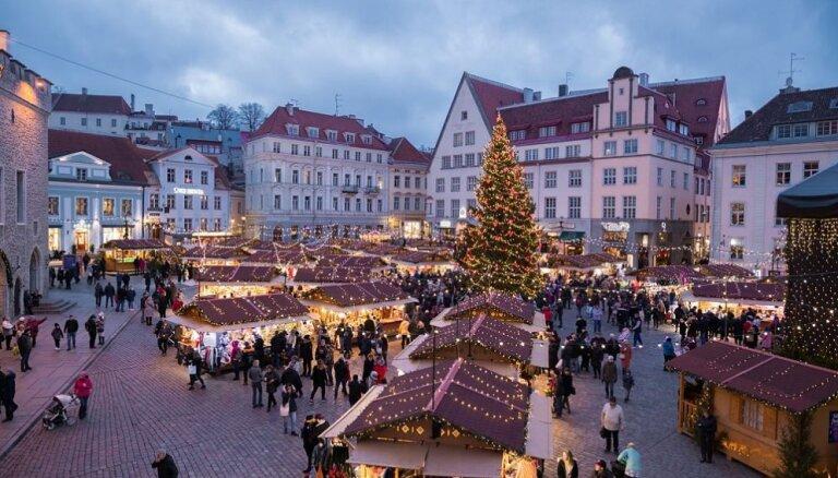 ФОТО. В Таллине заработал рождественский рынок и зажглись свечи на главной елке Эстонии