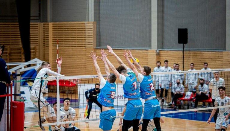 'Lūši' fantastiskā cīņā uzvar Latvijas čempionāta fināla trešajā spēlē